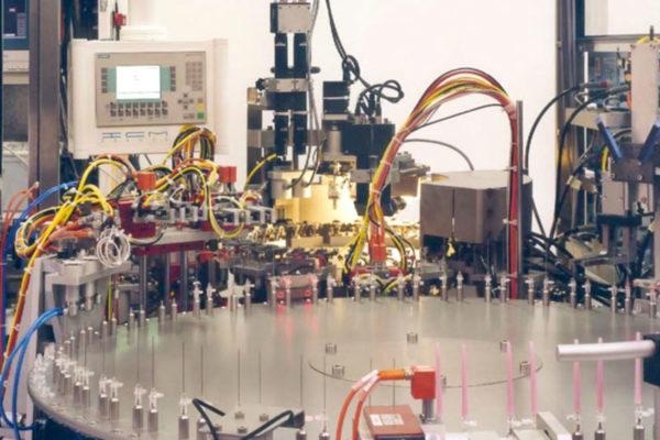 Sondermaschinen: Unser Leistungspaket im Überblick