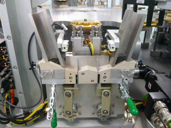Spezifische Arbeitsstationen: Hinzufügen eines Arbeitsplatzes zu einer existierenden Maschine
